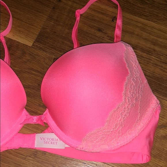 a1acad810ae01 VICTORIAS SECRET Push Up Bra 34B Pink and Lace
